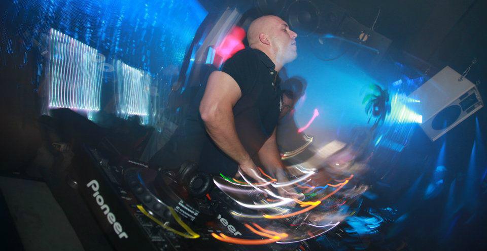 Hammarica.com Daily DJ Interview: Andrew Bennett