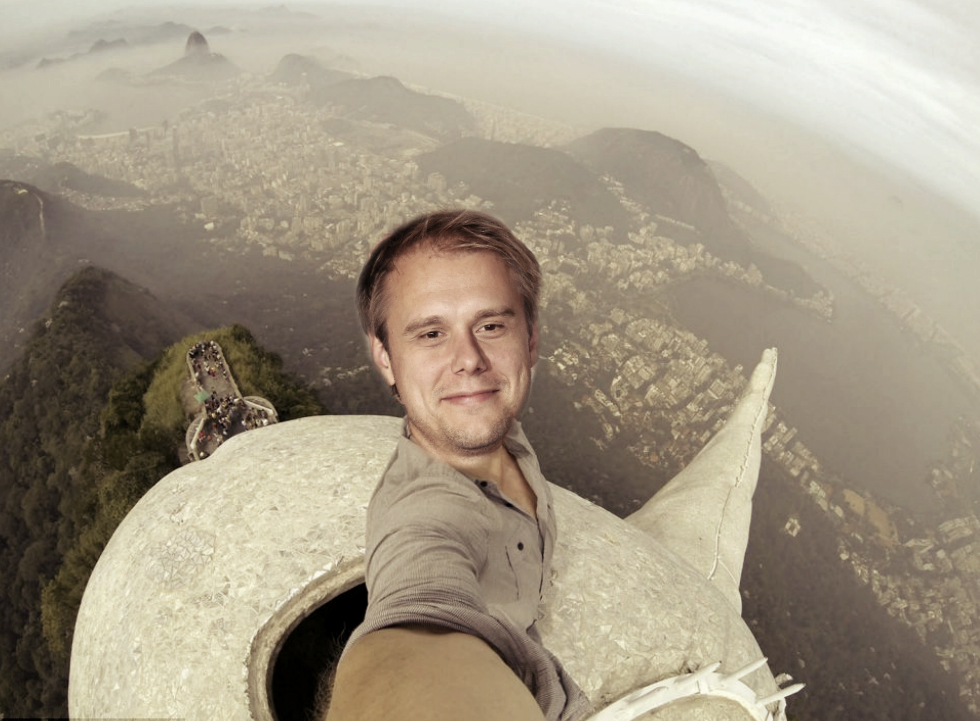 ARMIN SETTLES WITH RIO – MAKES SELFIE ON CHRIST THE REDEEMER
